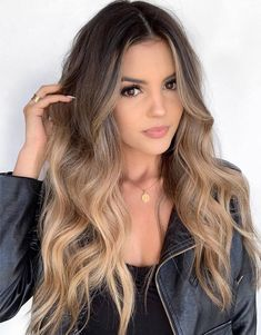 Elegant Balayage Hairstyle for Blonde Girls In 2019 – haare Summer Hair Color For Brunettes, Blonde For Brunettes, Highlighted Hair For Brunettes, Hair Color Ideas For Brunettes Balayage, Hair Color Balayage, Balayage Hairstyle, Hair Highlights, Balayage Hair Brunette With Blonde, Balyage Hair