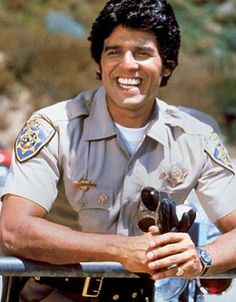 Ahhhhhhh hell yea - me want some Erik Estrada! Larry Wilcox, Crest Whitening, Hair Movie, Hot Cops, Hooray For Hollywood, Hot Hunks, Old Tv Shows, Classic Tv, Favorite Tv Shows