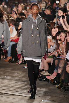 Tommy Hilfiger apresenta aguardada coleção com Gigi Hadid - Vogue | Desfiles