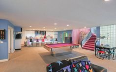 With its bright color scheme and bold patterns, this time capsule house featuring the best of interior design is bound to make you nostalgic. Interior Design Games, Interior Decorating, Decorating Ideas, Decor Ideas, Michigan, Eating Before Bed, Teal Walls, Vintage Interiors, Home Decor
