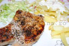 Cotlete picante de porc cu cartofi prajiti cu branza rasa si sos de smantana cu usturoi Meat, Chicken, Pork, Cubs