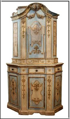 Cabinet . 18th Century . museumfurniture.com