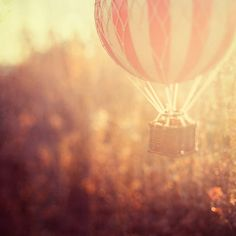 Hot-air balloon vintage colors