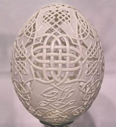 carving on egg shell
