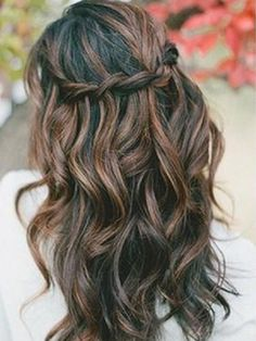 Tresse en cascades sur cheveux bouclés // Waterfall braid on curly hairs My Hairstyle, Braided Hairstyles, Wedding Hairstyles, Pretty Hairstyles, Wedding Hair And Makeup, Hair Makeup, Casual Wedding Hair, Wavy Wedding Hair, Braids For Long Hair