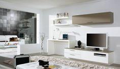 wohnwand mit schreibtisch fernseher-schublaeden-beige-akzent-wohnzimmer