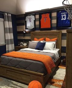 22 Bedroom Decorating Ideas for Youth - It is quite easy to tell what is the difference between adult and youth bedroom decoration. The youth bedroom has more casual nuance. Boy Sports Bedroom, Big Boy Bedrooms, Boys Bedroom Decor, Bedroom Themes, Boys Basketball Bedroom, Teen Boy Rooms, Sports Themed Bedrooms, Bedroom Ideas, Kids Sports Bedroom