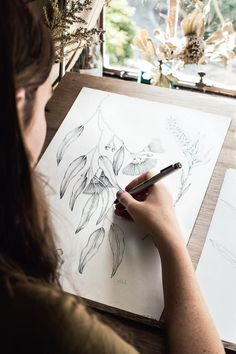 Botanical illustrator Edith Rewa Barrett finds all the inspiration she needs at her leafy eyrie in the Blue Mountains. Botanical Drawings, Botanical Illustration, Botanical Prints, Illustration Art, Painting Inspiration, Art Inspo, Art Studio Room, Illustration Botanique, Artist Aesthetic