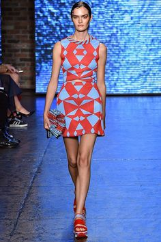 DKNY 2015 İlkbahar Yaz Koleksiyonu