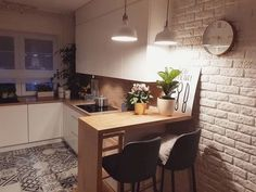 FIND OUT: Stunning Small Kitchen Interior Design Ideas Absolutely Perfect! Furniture Dining Table, Modern Dining Table, Small Dining, Kitchen Furniture, Dining Rooms, Wooden Furniture, Dining Tables, Dining Chair, Furniture Movers