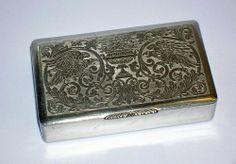 Vintage Cigarette or Snuff Box Beautiful Engraved Eagles w Urn Floral Pattern Metal Engraving, Gold Box, Blacksmithing, Urn, Eagles, Antique Silver, Boxes, Antiques, Floral