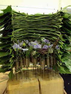 Daniel Santamaria Floral Artisan Leaf Flowers, Simple Flowers, Ikebana, Flower Art, Design Projects, Flower Arrangements, Floral Design, Bloom, Art Pieces