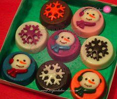 Galletas de chocolate cubiertas de chocolate con diseños navideños www.toquedulce.com.mx