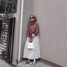 Casual Hijab Outfit, Ootd Hijab, Hijab Fashion, Korean Fashion, Muslim Women, Your Favorite, Street Wear, Normcore, Pretty