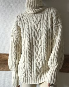 No automatic alt text available. Aran Knitting Patterns, Cable Knitting, Knitting Designs, Knitwear Fashion, Knit Fashion, Sweater Fashion, Sweaters For Women, Winter Sweaters, Lovely Dresses