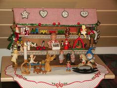 German Stall from 1930-40 - some decorations are newer - size: 37x28x28