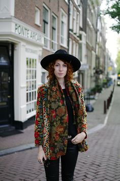 Boho Street Style Inspiration: Fall Floral + Black Hat Look #johnnywas