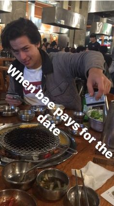 cole and dylan sprouse Memes Riverdale, Riverdale Funny, Bughead Riverdale, Riverdale Archie, Sprouse Bros, Dylan Sprouse, Zack Y Cody, Lying Game, Lili Reinhart And Cole Sprouse