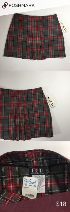 Vintage plaid skirt Red plaid school girl skirt circa y2k. Size 5. NWT! Skirts Mini