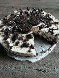 Iedereen is gek op Oreo koekjes toch? Nou dit was langgeleden voor mijde reden om hiermee te gaan experimenteren met alsresultaat deze taart, en ik dacht nu deel ik hem maar met iedereen want hij is zoooo lekker maar wel een calorieen bom hoor het zakt gelijk op je heupen.