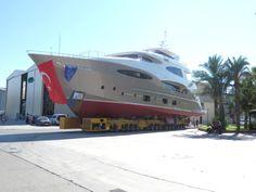 VICEM YACHTS presents the Vulcan 35 Trideck Mega-yacht