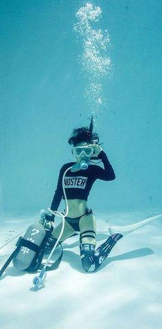 Sprite/スプライト Spies Like Japan Yama Diver Women . Underwater Photos, Underwater World, Underwater Photography, Best Scuba Diving, Scuba Diving Gear, Padi Diving, Diving Suit, Scuba Girl, Poses References