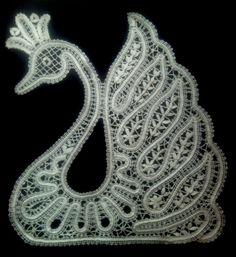 Filet Crochet, Crochet Doilies, Crochet Flowers, Tatting Patterns, Lace Patterns, Bruges Lace, Romanian Lace, Bobbin Lacemaking, Lace Art