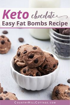 See how to make easy keto cheesecake bites and learn 6 tasty variations of this fat bombs recipe. Cheesecake Fat Bombs, Chocolate Chip Cheesecake, Low Carb Cheesecake, Keto Chocolate Chips, Cheesecake Bites, Chocolate Peanut Butter, Chocolate Recipes, Cream Cheese Fat Bombs, Peanut Butter Fat Bombs