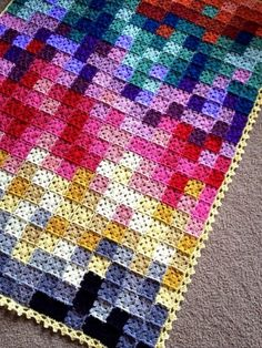Transcendent Crochet a Solid Granny Square Ideas. Wonderful Crochet a Solid Granny Square Ideas That You Would Love. Crochet Afghans, Pixel Crochet Blanket, Crochet Quilt, Crochet Blanket Patterns, Free Crochet, Knitting Patterns, Knit Crochet, Crochet Blankets, Scrap Crochet