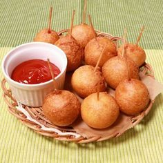 Puff Puff with any sauce of your choice Baby Food Recipes, Bread Recipes, Abc Crafts, Japanese Food, Deli, Tapas, Bakery, Food And Drink, Appetizers