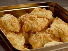 Kokosmakroner Cauliflower, Vegetables, Ethnic Recipes, Christmas, Food, Cauliflowers, Xmas, Meal, Weihnachten
