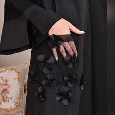 Abaya Style 619807967439332145 - Repost with . Source by subhanabayas Abaya Fashion, Modest Fashion, Diy Fashion, Trendy Fashion, Fashion Dresses, Fashion Design, Fashion Shoot, Iranian Women Fashion, Islamic Fashion