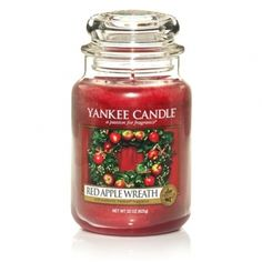 Yankee Candle Red Apple Wreath : A happy holiday homecoming with the festive aroma of sweet apples, cinnamon, walnuts and maple.