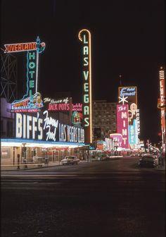 "Vintage Las Vegas photo of Fremont Street, downtown casinos., 1963 (via Adam Paul) "" Vegas Casino, Las Vegas Nevada, Adam And Paul, Vegas Lights, City Lights, Fremont Street, Vintage Neon Signs, Retro Images, Old Signs"
