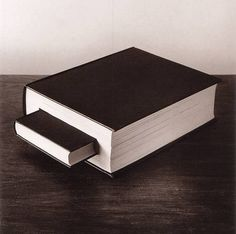 Spanish photographer Chema Madoz creates twisted, mind-bending images using everyday, ordinary objects. Placing the objects into surreal scenes, he fools Montage Photo, Foto Art, Arte Popular, Weird Pictures, Jolie Photo, Handmade Books, Creative Photos, Book Binding, Book Making