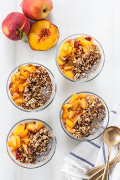 Chia Seed Parfait with Peaches Vegetarian Breakfast, Breakfast Recipes, Chia Seed Coconut Milk, Cereal Recipes, Southern Recipes, Chia Seeds, Parfait, Granola, Acai Bowl