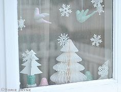 Inspired by my 'Bringing Christmas outside' garland and wreath, I decided to make mini pom poms to hang in my window. I combined them with my glass marbled snowflakes I decorated a couple of years ago Christmas Gift List, Felt Birds, Deck The Halls, Christmas Inspiration, Pastel Colors, Winter Wonderland, Vintage Christmas, Snowflakes, Garland