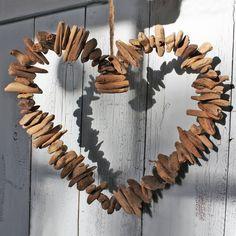 driftwood-heart-wreath-1823-p