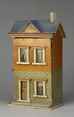 c. 1900 Dolls House Shop, Doll Shop, Doll Houses, Antique Dollhouse, Dollhouse Miniatures, Little Houses, Mini Houses, Blue Roof, Vintage Dolls