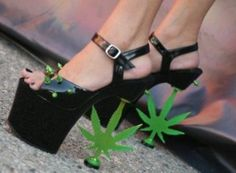 Another 15 Totally Crazy Shoes (crazy shoes, funny shoes, unusual shoes) - ODDEE