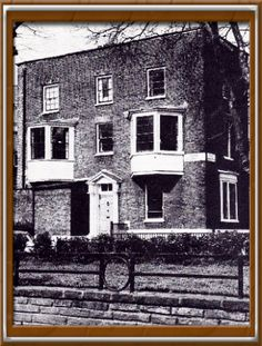 Highgate History - HAMPSTEAD HEATH - 2015*** Rock House, Pond Square