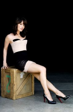 Celeb of the Day: Robin Tunney (The Mentalist; Robin Tunney, The Mentalist, Encino Man, Beautiful Celebrities, Beautiful Women, Beautiful Legs, Shannen Doherty, Sexy Legs, Memphis