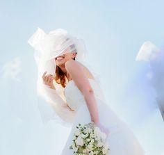 """Il velo da sposa ha una tradizione antichissima, risalente al periodo degli Antichi Romani, che per la prima volta invitarono le coppie di giovani sposi ad indossare il """"Flammeum"""". Questo velo aveva colori del fuoco vivo e posto sopra la coppia durante la cerimonia per invocare protezione e per buon auspicio. Leggi l'articolo completo su www.ilmatrimonioinpuglia.it Romani, Magazine, Wedding Dresses, Fashion, Bride Dresses, Moda, Bridal Gowns, Fashion Styles"""