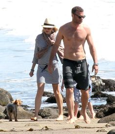 Naomi Watts and shirtless Liev Schreiber at the beach with their family | Pictures and details here