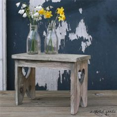 Shabby Chic Rustic Wooden Decorative Heart Stool Vintage Garden Plant Pot Stand
