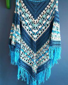 The Ocean Rose Shawl. Looks like the waves of an ocean #crochet #häkeln #haakverslaafd #hakeniship #haakpakketten #sjaal #shawladdict #fashion #fashiontrends #omslagdoek #scarf #voorjaar #zelfmaken #craft #crafting #yarnaddict #yarnlover #yarnstagram #hakenisleuk #shawlspam #bijtanteroos #fashiongram #instayarn #instacrochet #instafashion #fashionista #fashionfreak #phildar