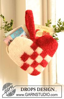 "Felted DROPS heart for Christmas cards in ""Eskimo"". ~ DROPS Design"