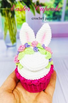 I will show you how to make this beautiful amigurumi cupcake in my step-by-step crochet pattern tutorial.This crochet doll pattern is suitable for the advanced beginner or intermediate crocheter. Crochet Cupcake, Crochet Food, Holiday Crochet Patterns, Step By Step Crochet, Easter Cupcakes, Crochet Doll Pattern, Easter Baskets, Easter Crafts, Easter Chick