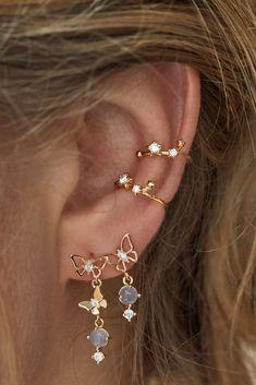 SOLID Gold Mini Bead Bar Stud earrings, short gold bar stud, gold bar post earrings, gold bar earring, minimalist jewelry - Fine Jewelry Ideas - Maria Home Ear Jewelry, Cute Jewelry, Jewelry Accessories, Jewlery, Trendy Jewelry, Jewelry Ideas, Jewelry Logo, Jewelry Quotes, Jewellery Earrings