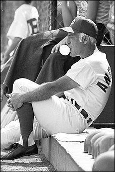 sparky anderson cincinnati reds big red machine , he did know how to blow those bubbles ! Baseball Manager, Baseball Players, Baseball Cards, Baseball Wall, Baseball Quotes, Cincinnati Reds Baseball, Pittsburgh Steelers, Dallas Cowboys, Indianapolis Colts